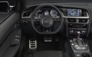 Intérieur d'un véhicule Marne VTC : chauffeur privé